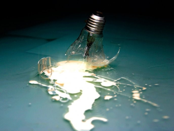 Broken Light Bulb - hd tablet wallpaper - tablet background