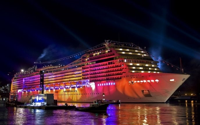 Lit Up Cruise Ship - HD Tablet Wallpaper Background