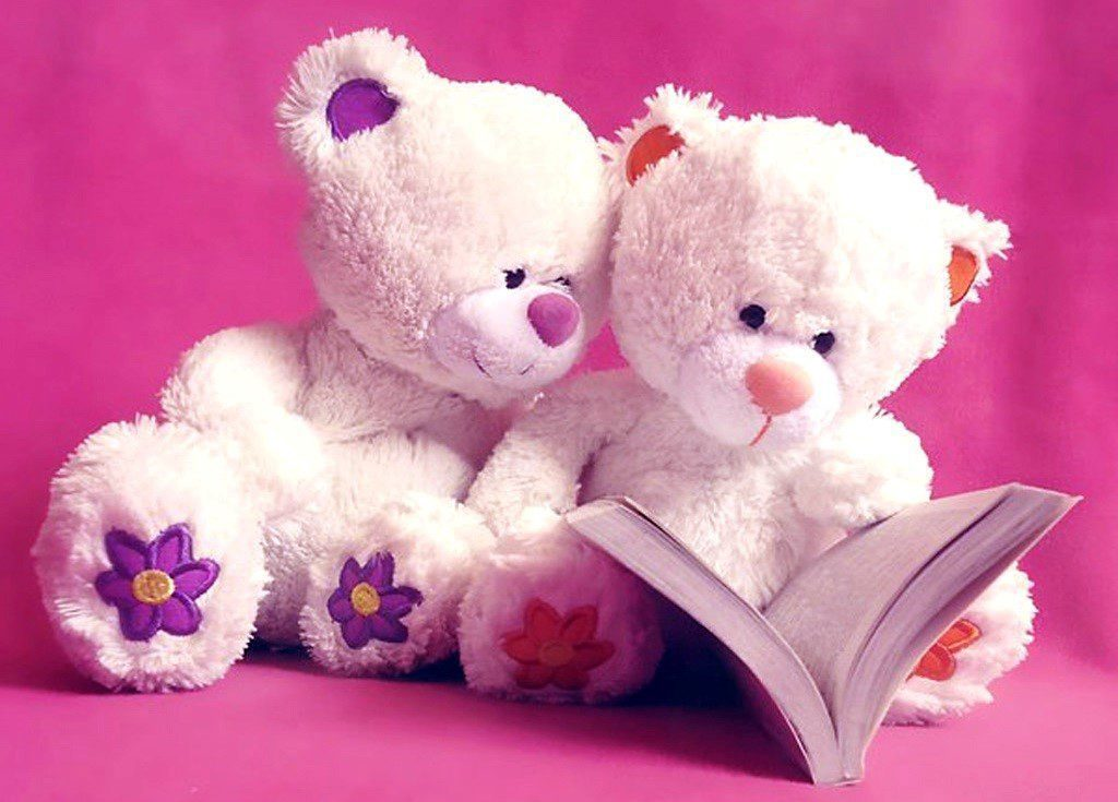 Teddy Bears Reading - Cute Wallpaper