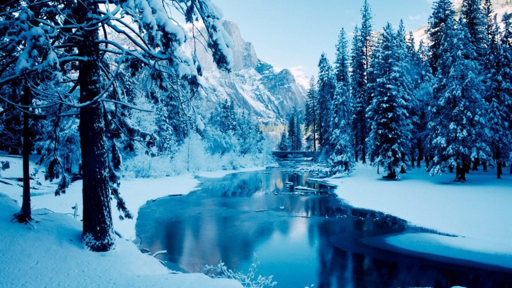 Gorgeous Winter Mountains And River wallpaper